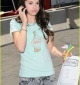 selena-gomez-phones-home-01.jpg